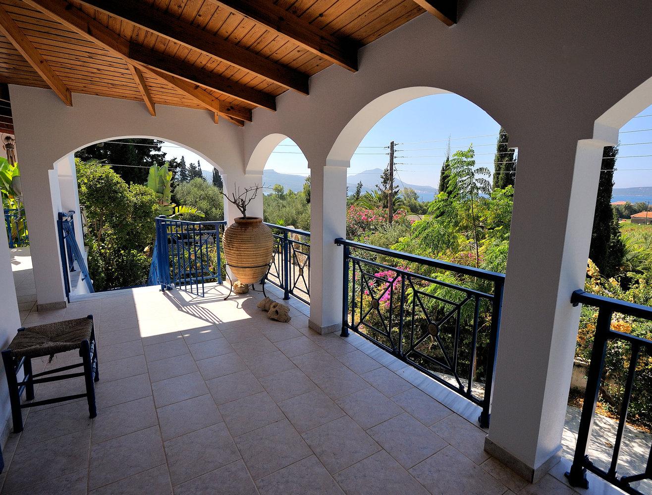 Veranda Villa Gialova (Hetty)